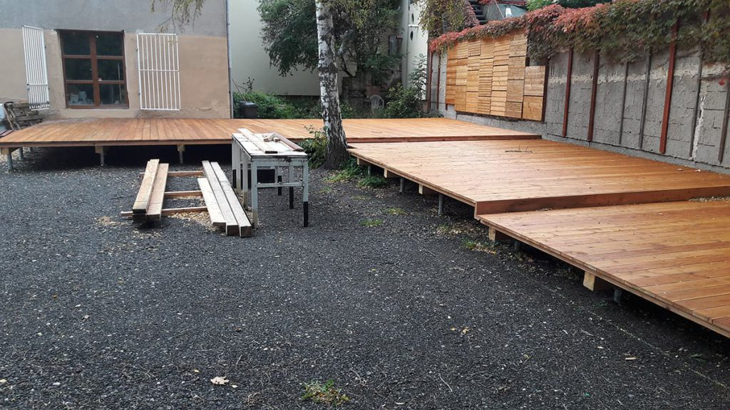 stop digging ground screw foundations for large decking